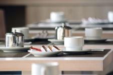 Detalle del salón comedor del Hotel Rocatel, en Canet de Mar
